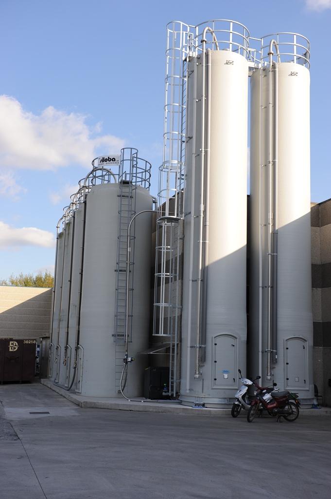 polyester silo buiten 2