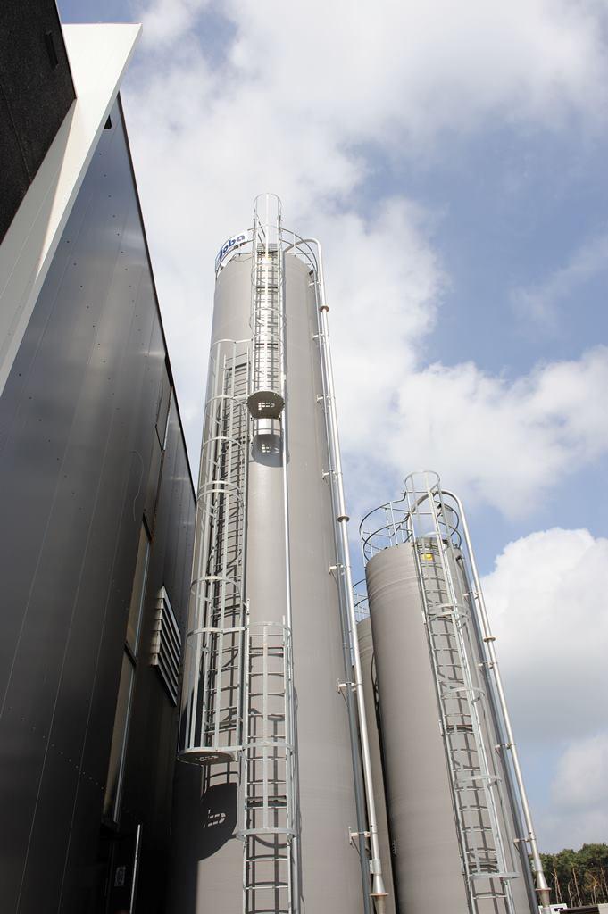 polyester silo buiten 5